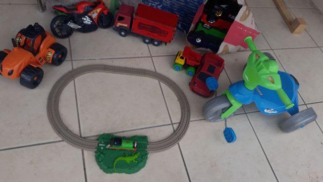 Lote brinquedos menino Leia descrição toda.