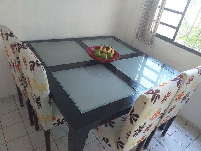 Vendo essa mesa com 4 cadeiras
