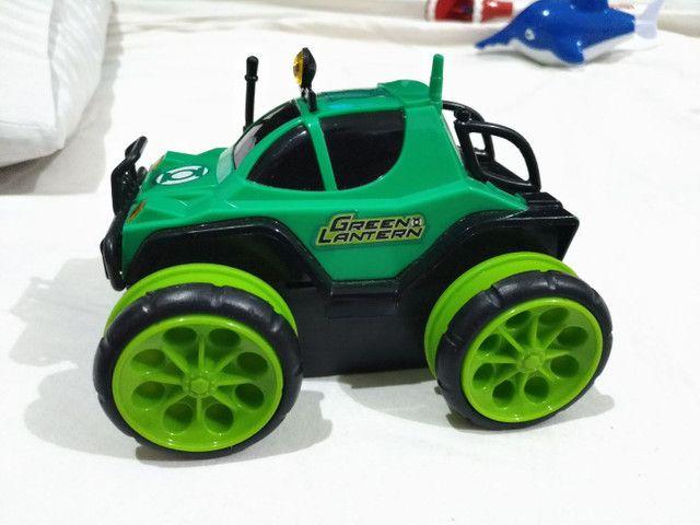 Carro Controle Remoto Liga Da Justiça Lanterna Verde Candide - Foto 2