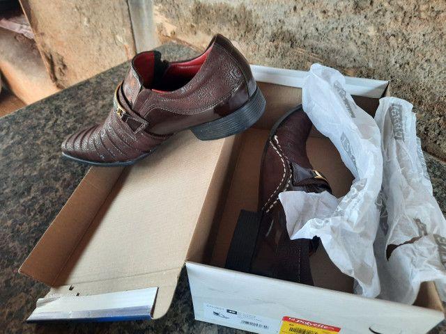 Sapatos  e botas  - Foto 4