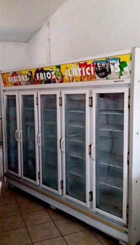 Vende-se Refrigerador/Expositor Top Vertical Remini Gevt 5 Portas G. Está Nova! - Foto 3