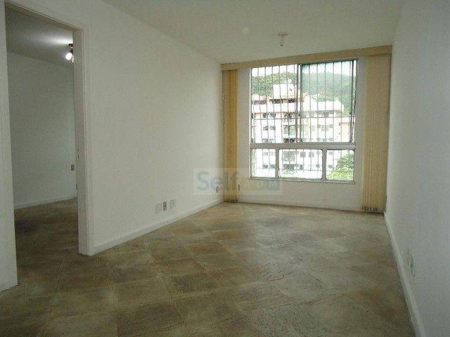 Apartamento com 1 dormitório para alugar, 55 m² - Santa Rosa - Niterói/RJ - Foto 4