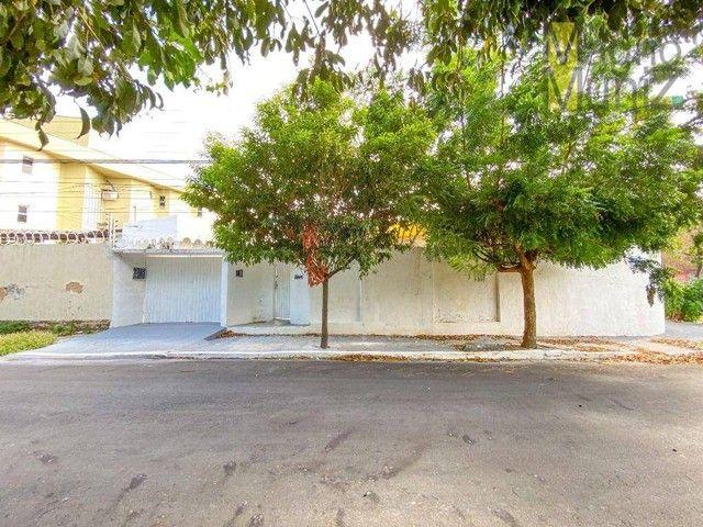 Casa com 3 dormitórios para alugar, 134 m² por R$ 2.000,00/mês - Patriolino Ribeiro - Fort