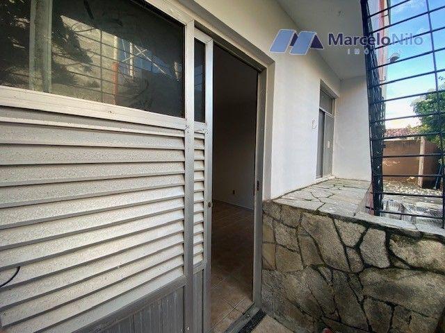 Apartamento térreo em Olinda, 65m2,  2 quartos sociais, varanda e garagem - Foto 4