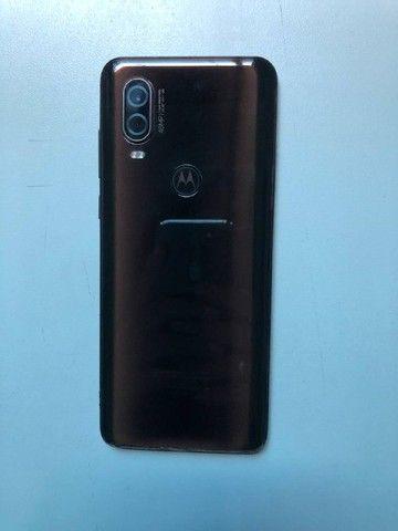 Motorola One Vision para retirar peças