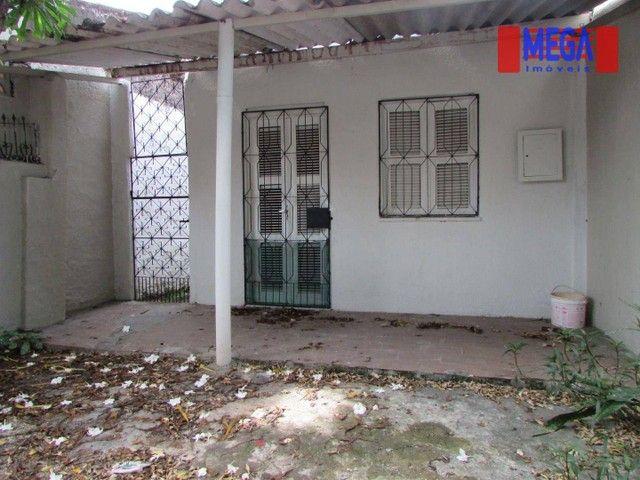 Casa com 2 quartos para alugar no Montese - Foto 2