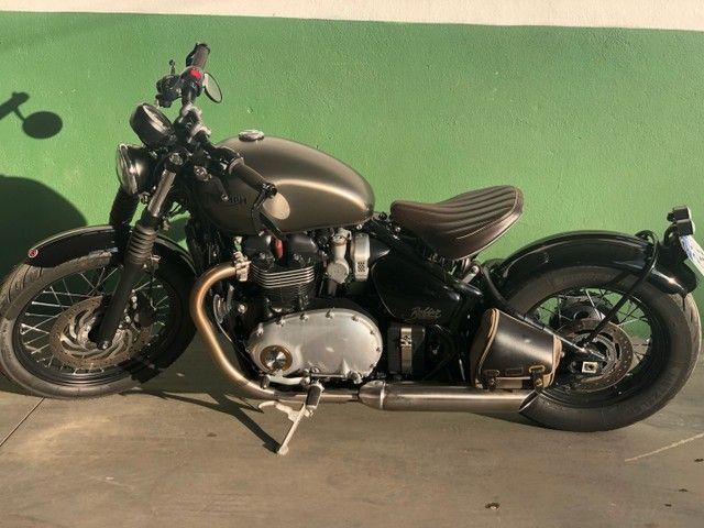 Triumph bobber bonneville 1200cc