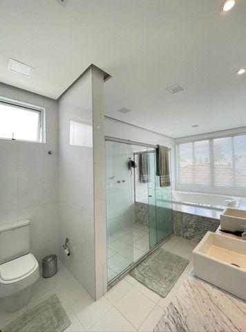 Casa em Condominio Fechado, 04 Suites sendo 1 master com hidromassagem - Foto 20