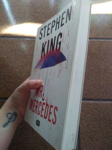 Livro MR Mercedes Stephen King - Foto 2