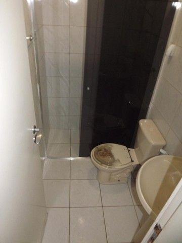 Apartamento de 2 quartos em Adrianópolis - Foto 4