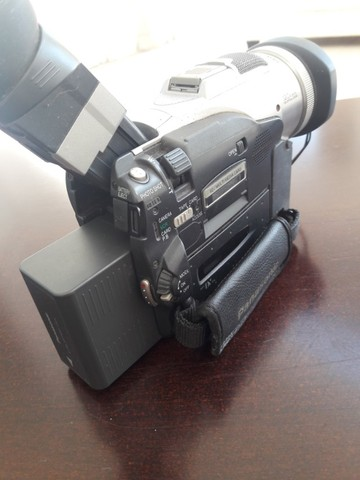 Filmadora Panasonic modelo NVMX300-EN Leica Dicomar 3CCD, 2 baterias, carregador, Mini DV - Foto 2