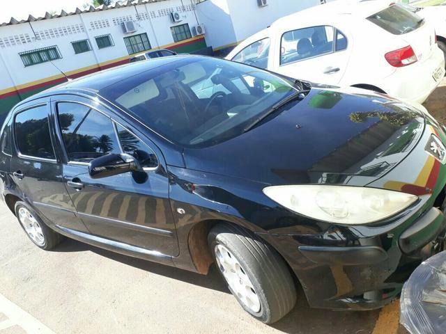 Peugeot 307 sedan quitado