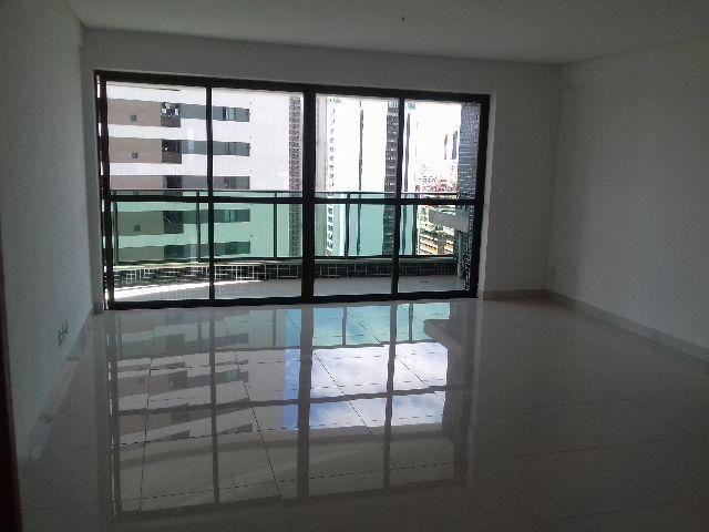 Apartamento 4 Quartos, Suíte, Varanda, 3 Wc, 2 Vagas, 100m², 6 Quadras Praia CÓDIGO VD0197