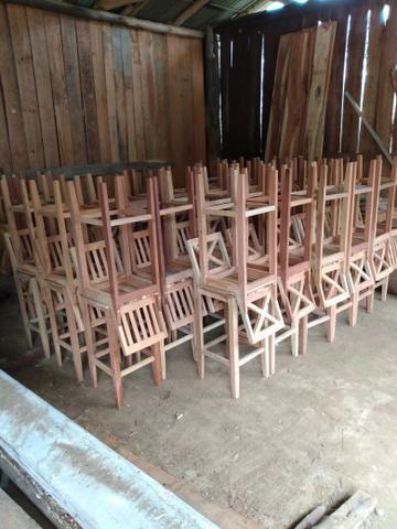 Cadeiras de madeira de demolição - Foto 3
