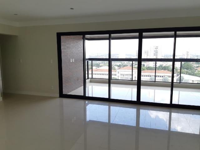 Apartamento andar alto , face sombra, no Edifício Metropolitan com 142 m² úteis, 3 suítes - Foto 2
