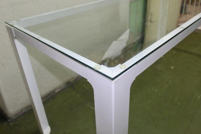 Mesa de Escritório em Ferro e Vidro Branca / Escrivaninha Office - Foto 4