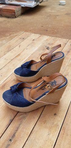 Sandalhas seminovas... - Foto 4