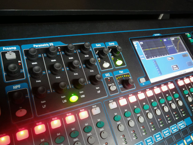 Mesa de som digital 32 canais Allen Heath - Foto 4