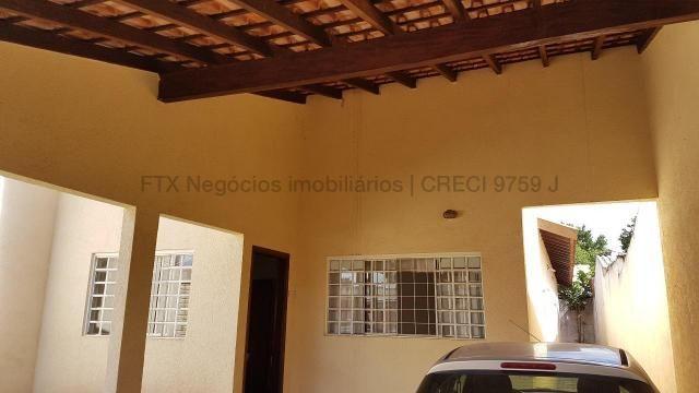 Casa com cômodos amplos 150,28 m² de área construídas - Coopharádio. - Foto 2