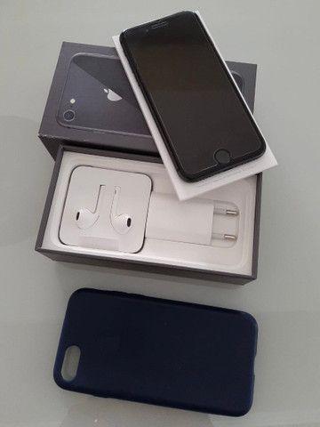 IPhone 8 64GB Cinza com Nota Fiscal - Foto 4