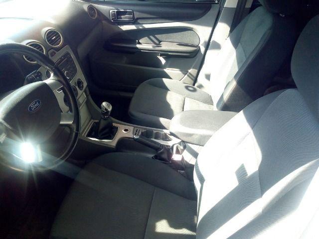 Ford Focus 1.6 Completo + Gnv ent + 48 x 530,00 1º parcela por conta da loja - Foto 8