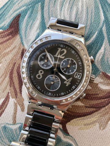 Relógio Swatch Feminino preto e prata Original - Foto 2