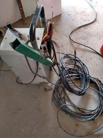 Uma máquina de solda,com a fiação completa,e duas lichadeira - Foto 2