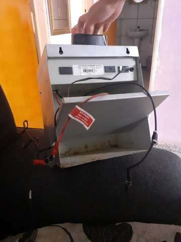 Carregador de bateria - Foto 2