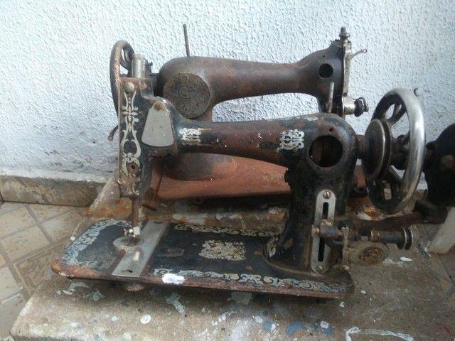 Maquina costura antiga - Foto 2
