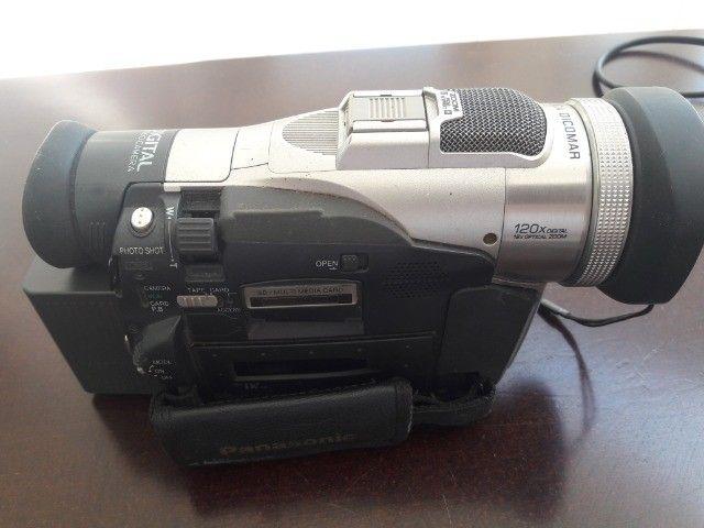 Filmadora Panasonic modelo NVMX300-EN Leica Dicomar 3CCD, 2 baterias, carregador, Mini DV - Foto 3