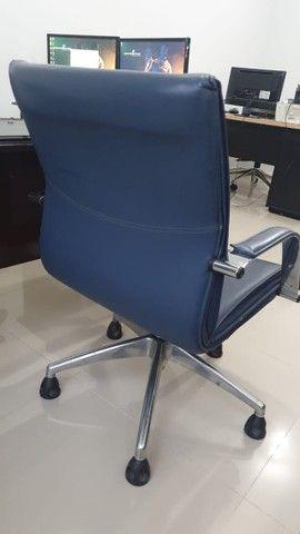 Cadeira para escritório elegante e confortável