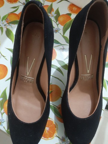 Vendo sapato scarpam! Usado 2 vesis apenas