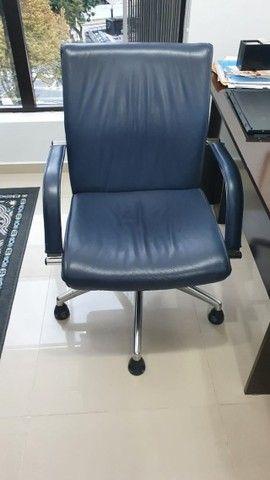 Cadeira para escritório elegante e confortável  - Foto 3