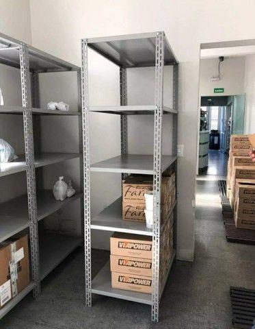 Móveis para escritório (estante, mesa, cadeira, armário, roupeiro, gaveteiro, arquivo) - Foto 3