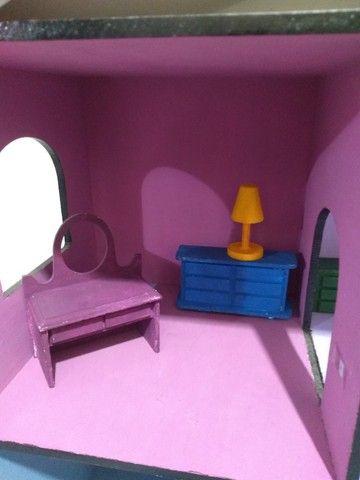 Casinha de boneca em MDF pintada e mobiliada *O produto está em Itararé/SP - Foto 5