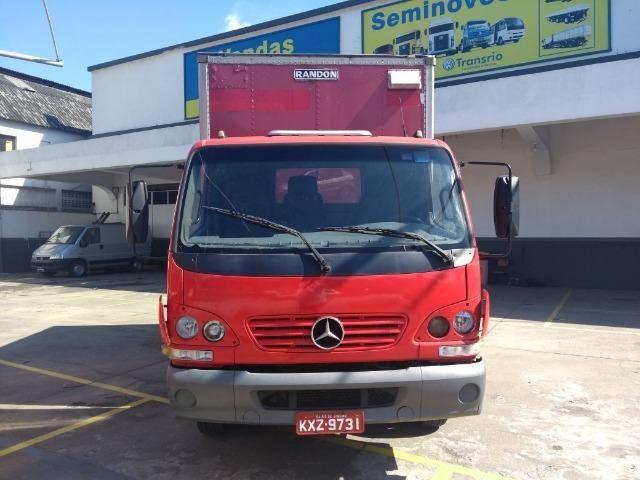 Mercedes Acello 915 com Baú Seco