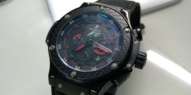 37cb08f23bb Promoção Relógio Esportivo masculino preto pulseira com detalhes ...
