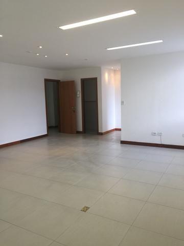 Sala comercial na Pituba com 50m². Linda!