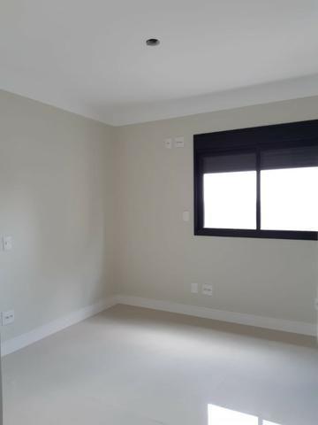 Apartamento andar alto , face sombra, no Edifício Metropolitan com 142 m² úteis, 3 suítes - Foto 13