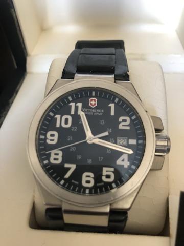 730bf10ed7f Pra vender rápido. Relógio original Victorinox - Bijouterias ...