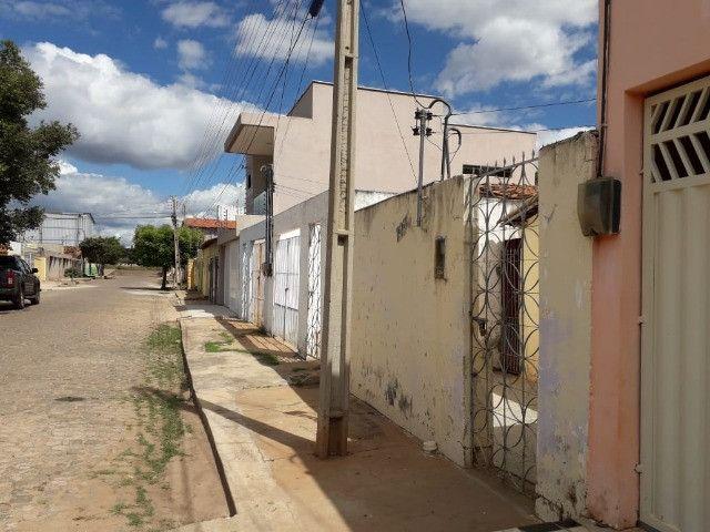 Vende-se uma casa no Bairro Junco, Picos-PI - Foto 2