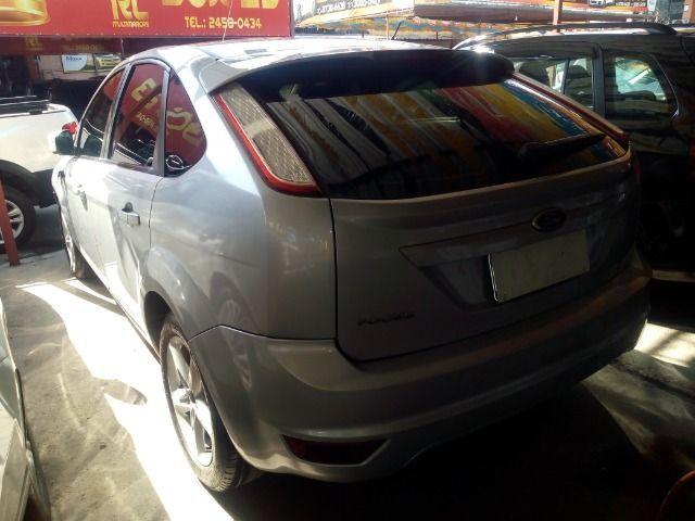 Ford Focus 1.6 Completo + Gnv ent + 48 x 530,00 1º parcela por conta da loja - Foto 4