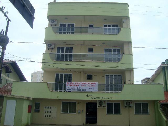 Apartamento Amplo para curtir a temporada/AT041