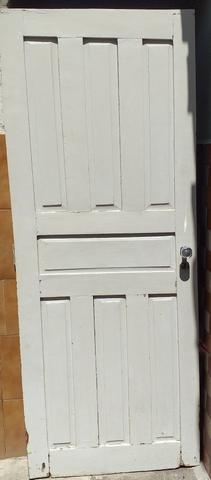 Vendo 2 portas de Cedro