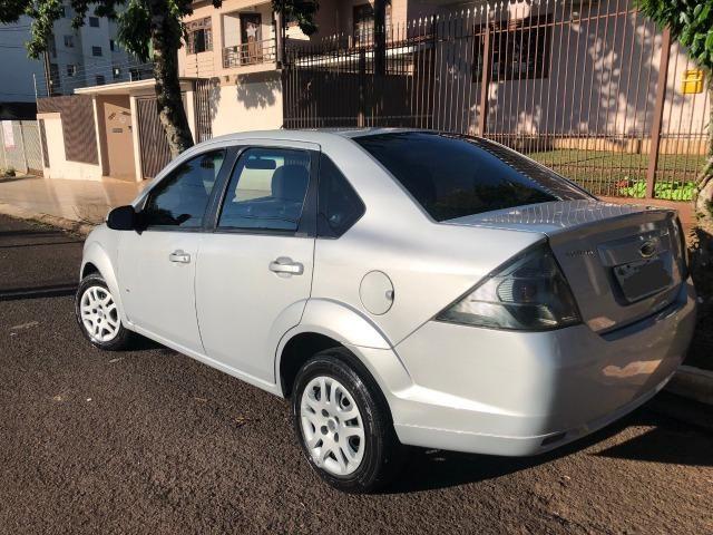 Ford Fiesta Sedan 1.6 Flex 2013/2014 8V 4 portas - Foto 2