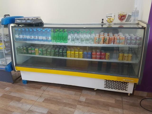 Expositor de bebidas e frios. 2mts