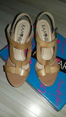 Sandália tamanho 35 - Foto 3