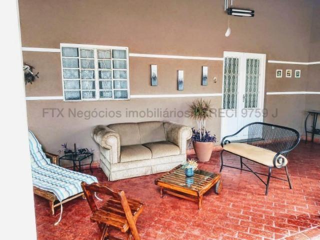 Casa com grande terreno e área gourmet - Flamboyant - Foto 12