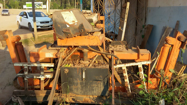 Vende-se uma retro escavadeira  - Foto 4