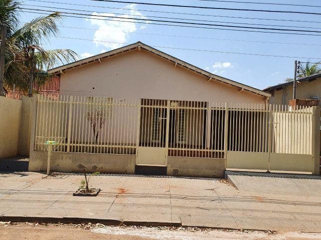 Aluga-se casa em Paranaíba-MS